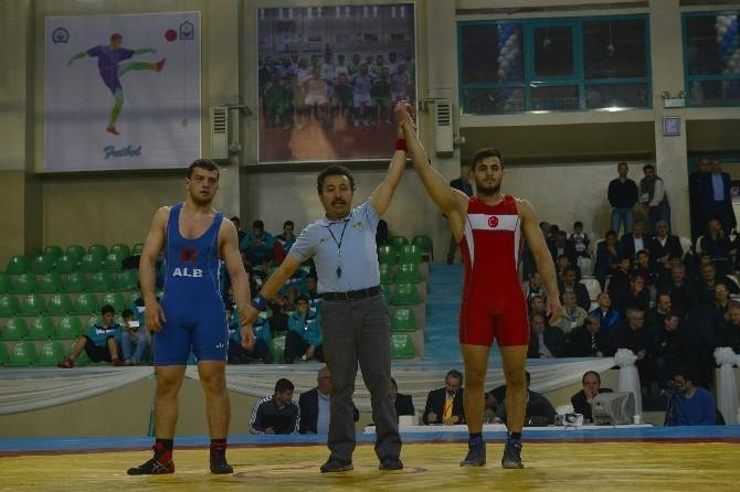 Yıldırım'da Uluslararası Turnuva