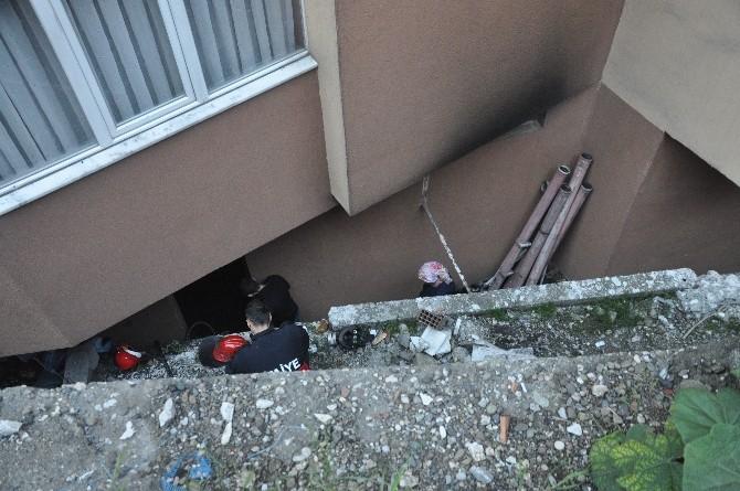 Kazan Dairesindeki Dumanlar Apartman Sakinlerini Ayağa Kaldırdı