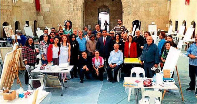 Dünya ressamları Tarsus'ta buluştu