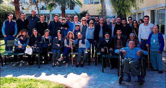 Mersin'de yaşlılara sürpriz ziyaret