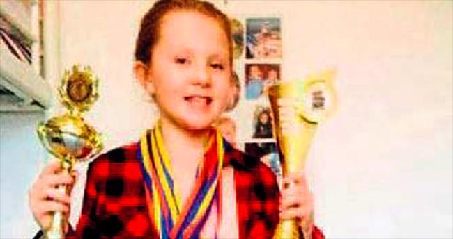 Türk kızı Melisa İsveç'te birinci