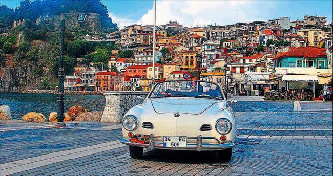 Klasik otomobille Yunanistan yollarında