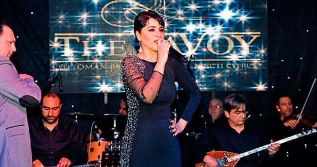 Zara, Kıbrıs sahnesinde Kayahan'ı andı