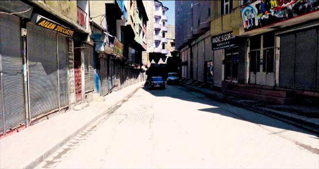 Kepenkler kapalı, sokaklar gergin