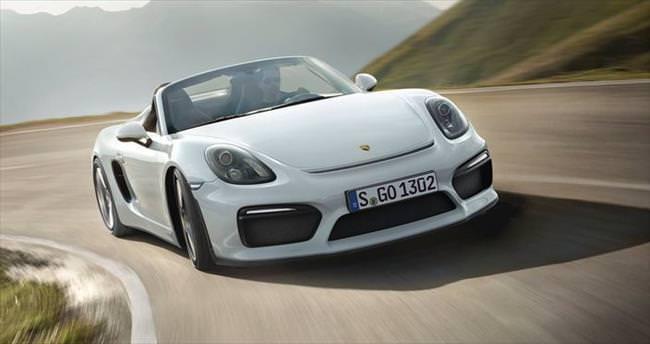 Yeni Porsche Boxster Spyder tanıtıldı