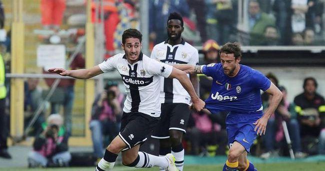 İtalya'da sürprizi Parma yaptı