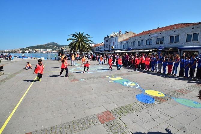 Foça'da Çocuk Şenlikleri Başladı