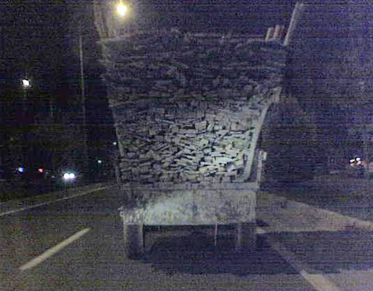 Adıyaman'da Aşırı Yüklü Traktör Tehlike Saçtı