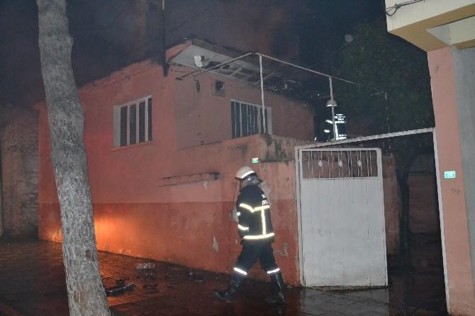 Nazilli'de 5 İşçinin Kaldığı Ev Küle Döndü