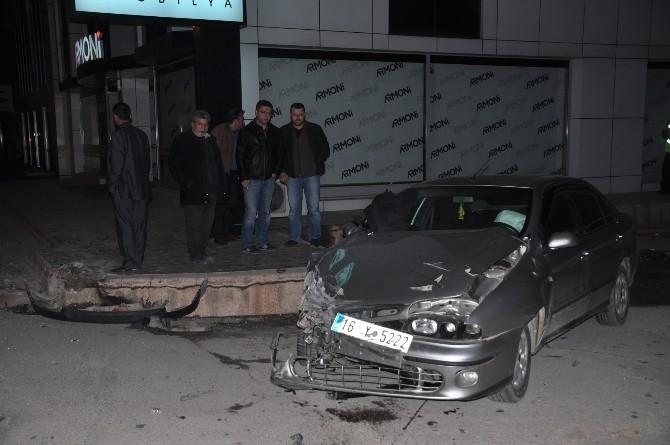 Takla Atan Otomobil Metrelerce Sürüklendi