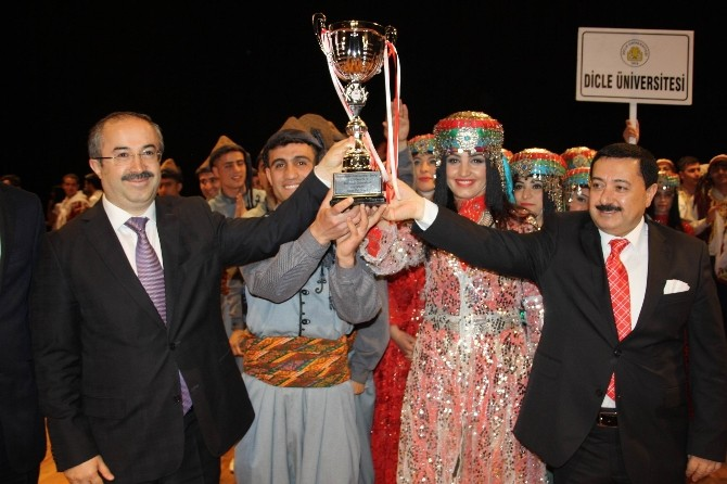 Çözüm Sürecine Güvenerek Diyarbakır'a Gelen Üniversiteliler Kentten Mutlu Ayrıldı