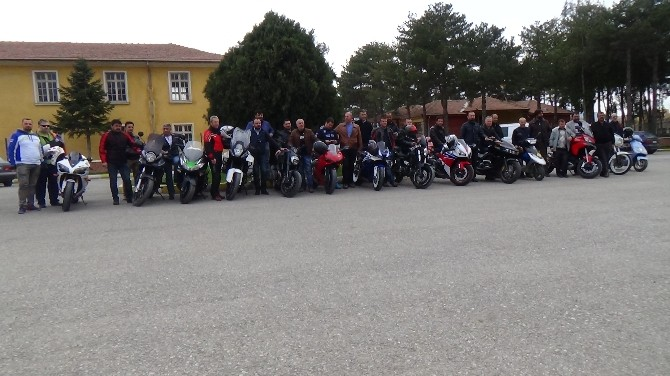 Erzincanlı Motosikletçiler Sezonu Kurban Keserek Açtılar