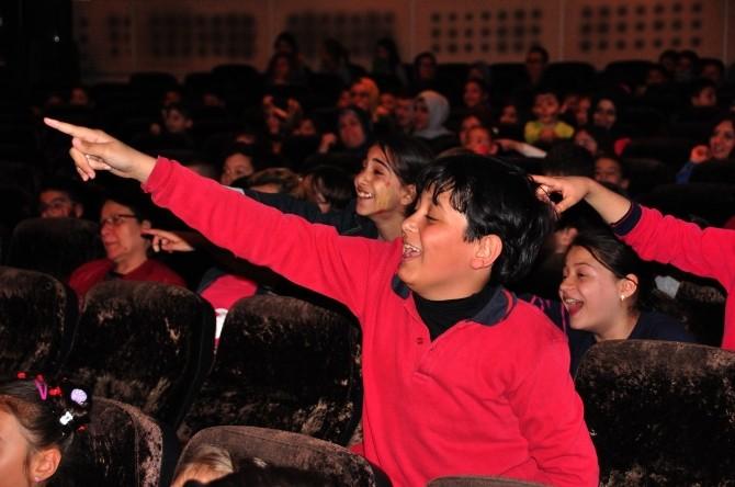 Manisa'da Çocuk Filmleri Festivali Başladı