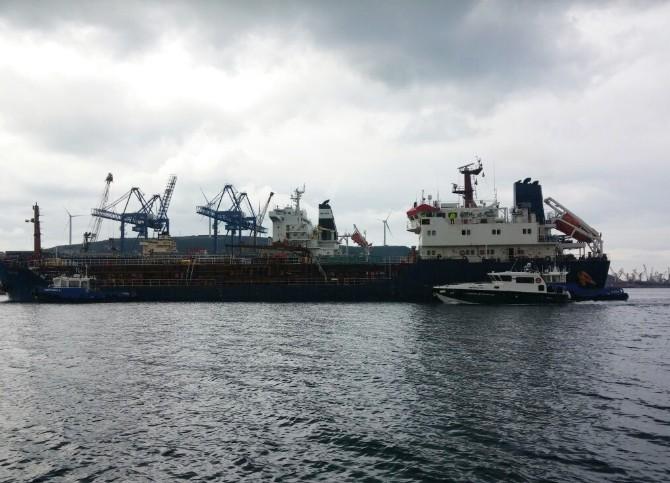 Gümrük Ekiplerinden Gemiye Akaryakıt Operasyonu