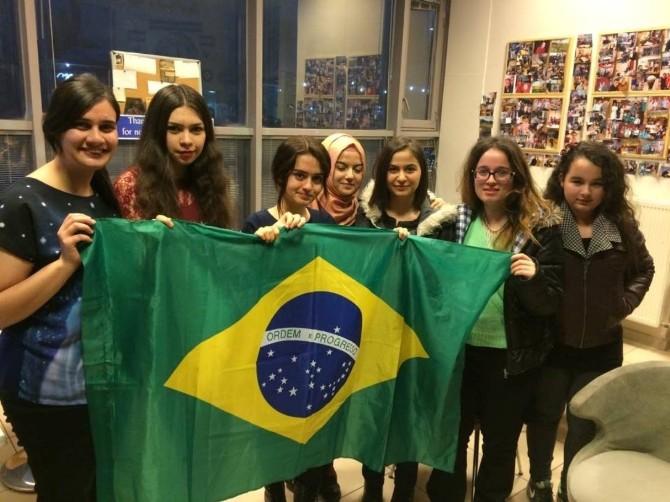 Speaking Cafe'de Brezilyarüzgarı Esti