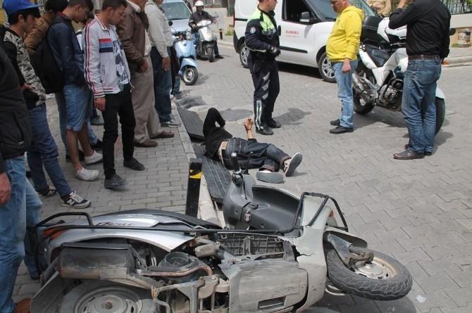 Ters Yönden Giden Motosiklet Otomobille Çarpıştı: 1 Yaralı