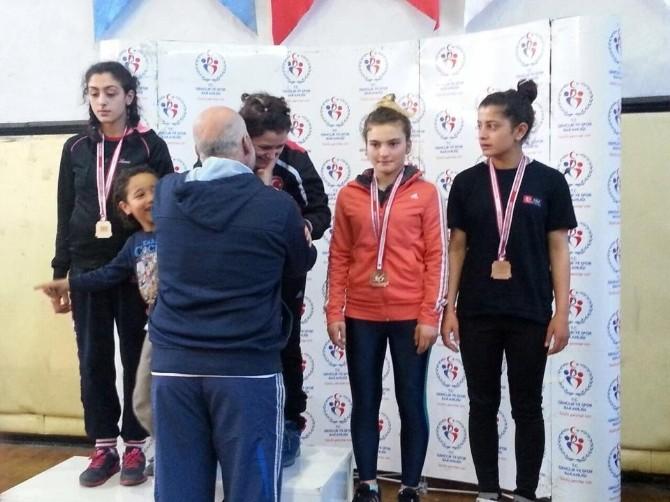 Cansu Yılmaz Türkiye Şampiyonu Oldu