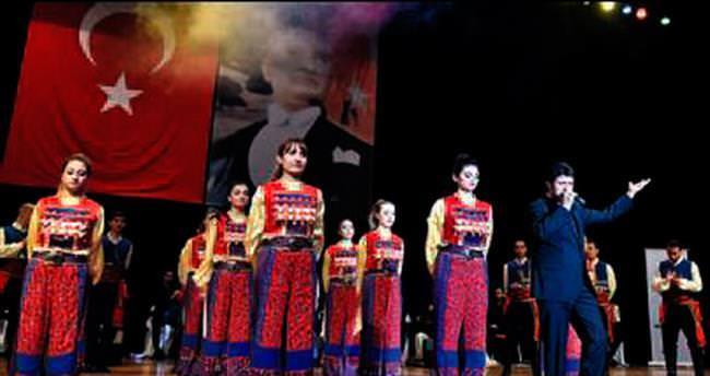 Başkan Mesut Akgül öğrencilere şiir okudu
