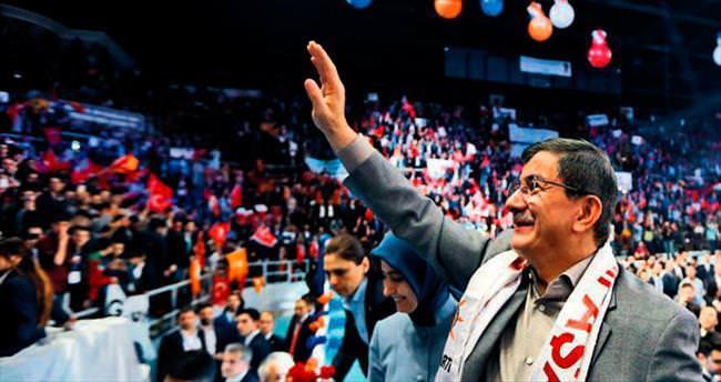 Seçim startı Erzurum ve Sivas'tan