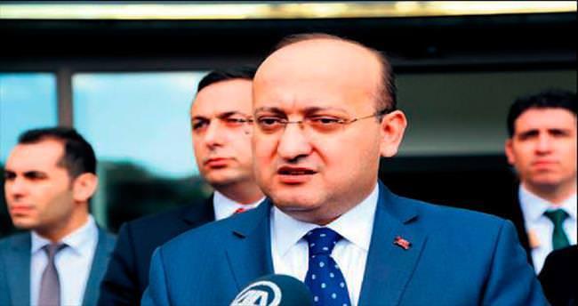 Akdoğan: Makyajları döküldü