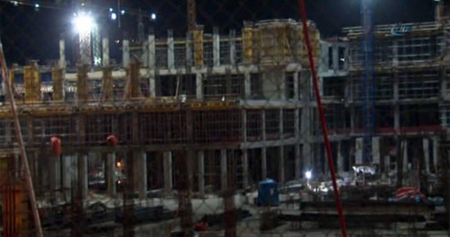 Başkent'te inşaat iskelesi çöktü