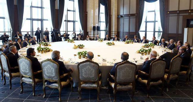 İstanbul ilçe belediye başkanları Cumhurbaşkanlığı Sarayı'nda