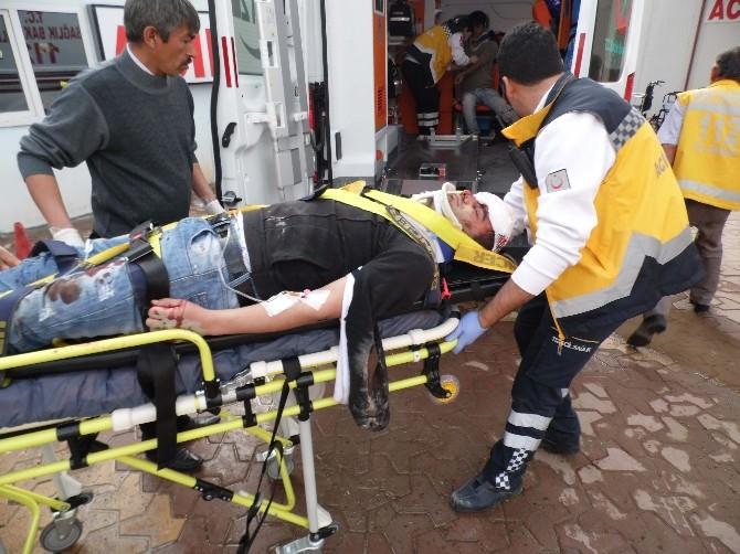 Adıyaman'da Otomobille Motosiklet Çarpıştı: 2 Yaralı