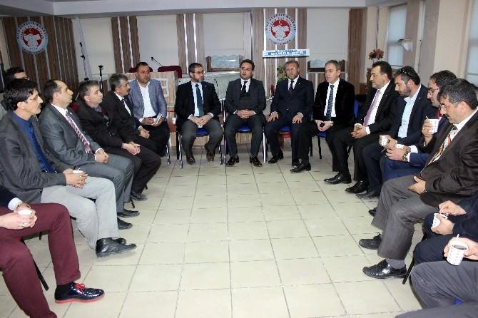 AK Parti'li Adaylar, Gönüllü Kuruluşların Yetkilileri İle Bir Araya Geldi