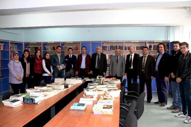 Bayburt Üniversitesi Eğitim Fakültesi Öğrencilerinden Anlamlı Bağış