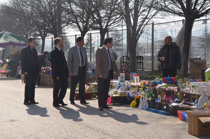 Başkan Bakıcı Pazar Esnafını Ziyaret Etti
