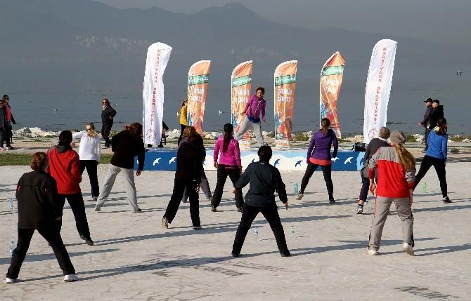 Karşıyaka'da Sabah Sporuna Yoğun İlgi