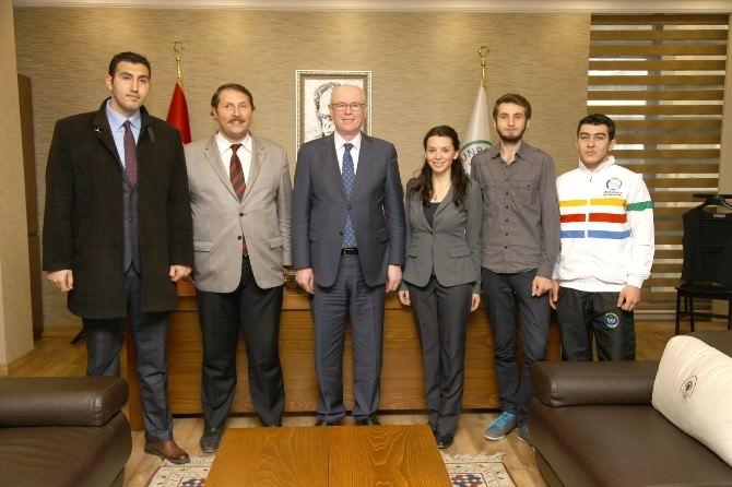 Başkan Kurt İç Anadolu Gençlik Federasyonu Yetkilileri İle Buluştu