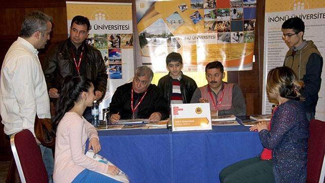 İnönü Üniversitesi, Azerbaycan'daki Eğitim Fuarına Katıldı
