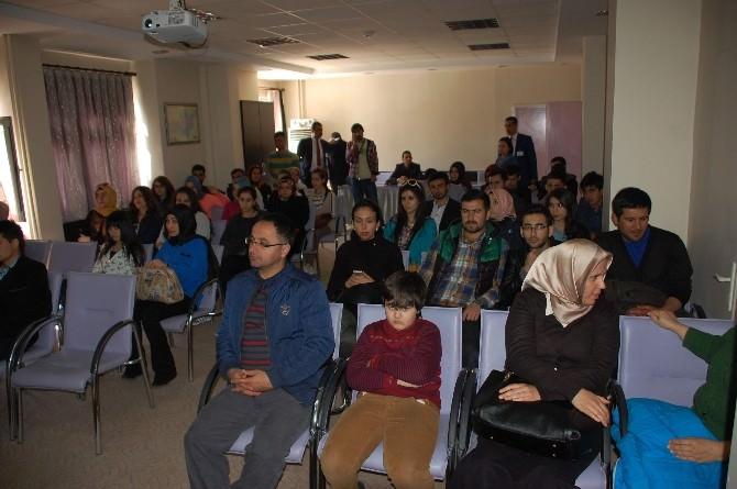 Üniversite Öğrencileri, Yara Bakım Ünitesini Gezerek Bilgi Aldı