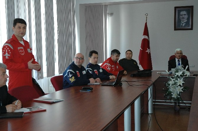 Türk Yıldızları Türk Dil Bayramına Renk Katacak