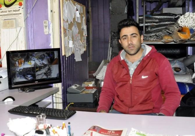 Yalova'da Çocuk Hırsızlar Güvenlik Kamerasına Yakalandı