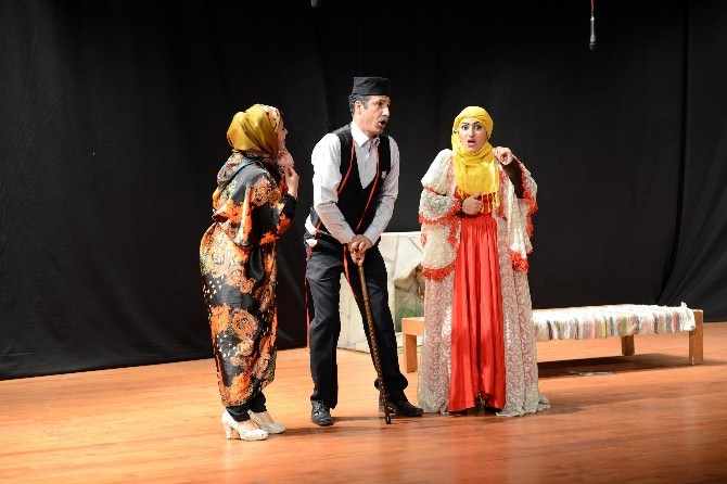 Türk Dünyası Tiyatro Günleri Sona Erdi