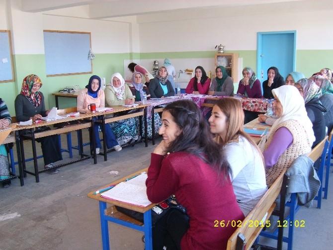 Çamaş'ta Hasta Ve Yaşlı Refakatçisi Kursu