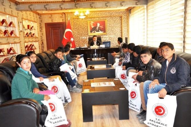 Akbilek Öğrencileri, Kaymakam Fırat'ı Ziyaret Etti