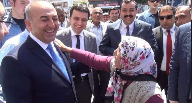 Öğretmen Annesinden Dışişleri Bakanı Çavuşoğlu'na İlginç Rica: