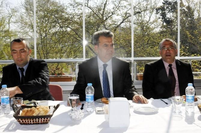 Siyasi Parti Başkanları Bir Araya Geldi