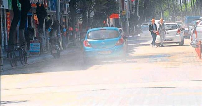 Fethiye caddeleri toz duman oldu