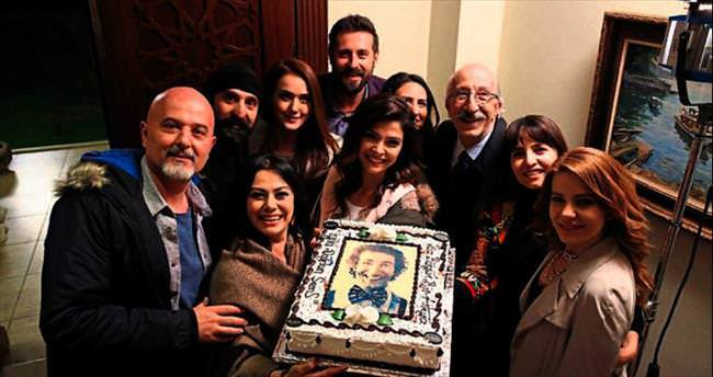 'Kertenkele' setinde 76'ncı yaşını kutladı!