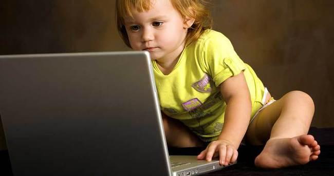 O ülkede internet kullanma yaşı 2'ye düştü