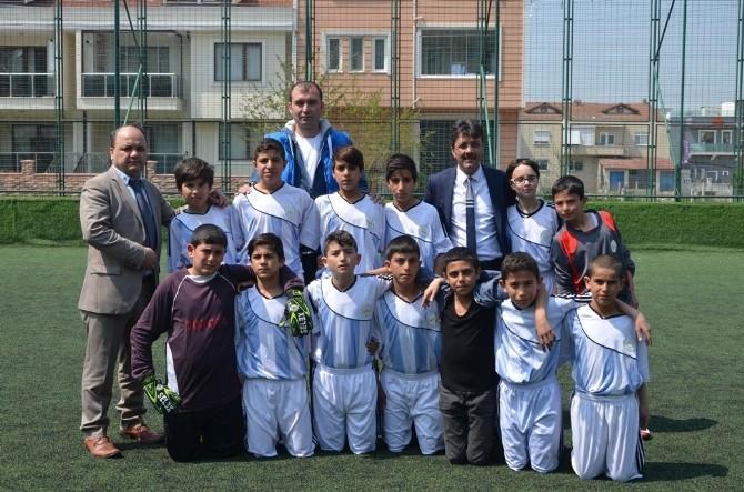 23 Nisan Küçükler Futbol Turnuvası Erenler'de Tüm Hızıyla Devam Ediyor