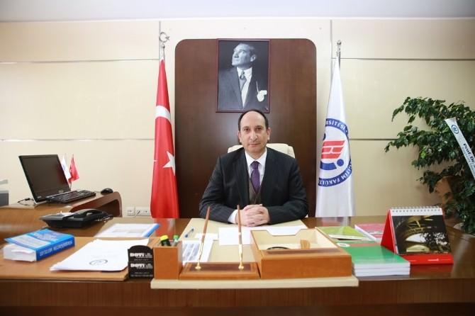 Bayburt Üniversitesi Eğitim Fakültesi Yeni Dekanı Prof. Dr. Gülcü, Görevine Başladı