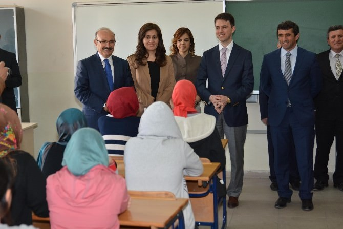 Vali Hasan Kürklü, Başarılı Öğrencileri Ziyaret Etti