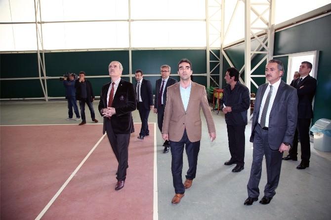 Hüdavendigar Parkı Tenisin De Merkezi