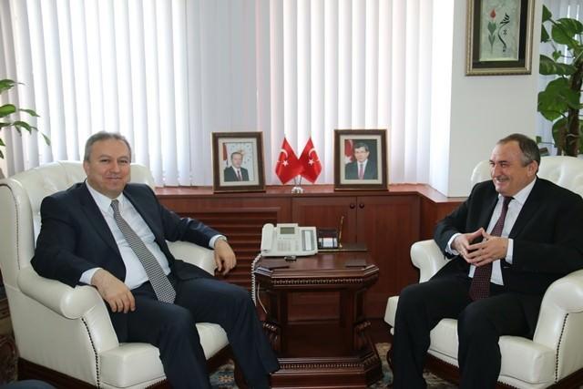 Başkan Alaaddin Yılmaz, Vali Ali Fidan'ı Ziyaret Etti