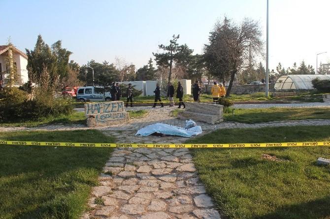 Boş Şişe Toplayan Şahıs Parkta Ölü Bulundu